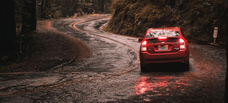 Billigt udstyr til bilen – sådan finder du det